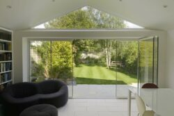 Frameless Glass Doors offer a host of features and unique innovations not found on standard metal or PVCu doors.