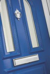 traditional door in aluminium.